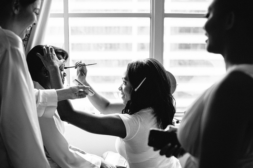 middletown connecticut bride putting on makeup