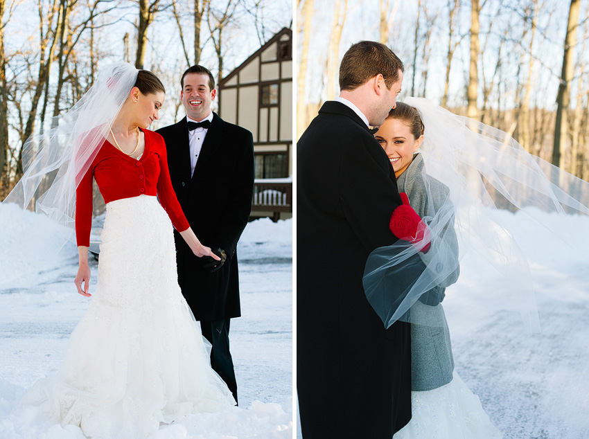 winer wedding married couple in snow
